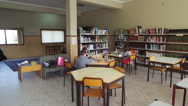 Biblioteca 4 600