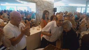 Simão Godinho cumprimenta a Cucujanense centenária
